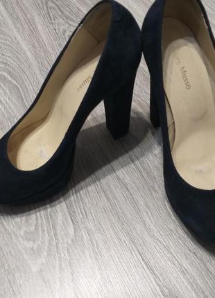 Темно синие туфли 38р