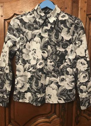 Рубашка в горошек и цветочный принт