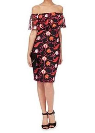 Платье с открытыми спущенными плечами вышивкой сеткой