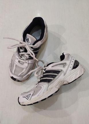 Adidas кожаные бело-черные кроссовки