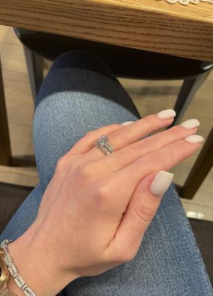 Роскошное серебряное кольцо с фианитами и покрытие родием!