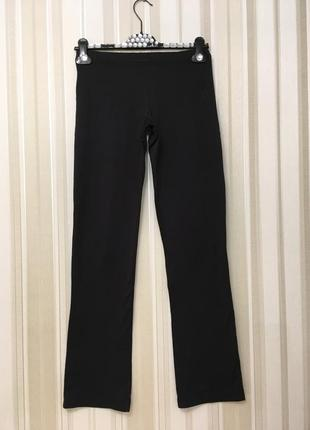 Черные стрейч брюки adidas