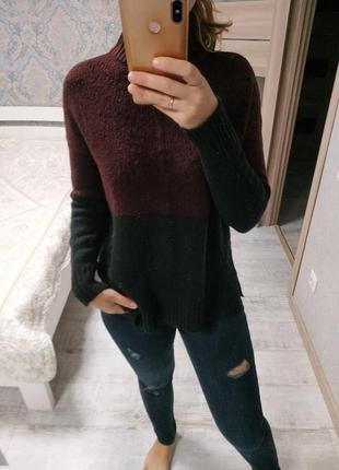 Стильный теплый актуальный свитер воротник стойка