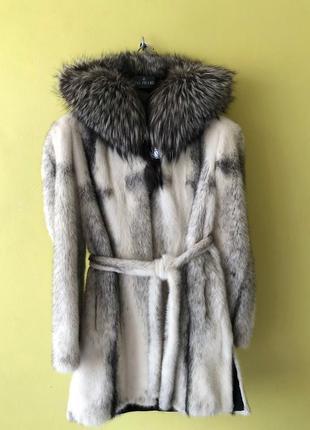 Норковая шуба с капюшоном из чернобурки.mimi fur luxury boutiq...