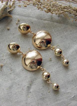 Шикарные длинные серьги с шариками цвет золото