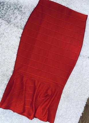Шикарна юбка внизу воланы смотрится шикарно  брент m&s collection