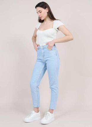 Качественые голубые котоновые прямые джинсы момы mom высокая...