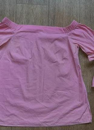 Блузка со спущенными плечами рукав волан