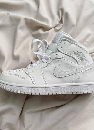 Кроссовки nike jordan 1 retro high white