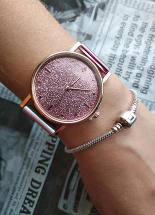 Часы наручные женские розовые блестящий циферблат на силиконов...