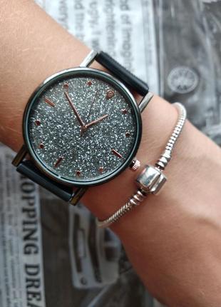 Часы наручные женские черные серебристые блестящие на силиконо...