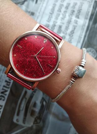Часы наручные женские красные блестящий циферблат на силиконов...