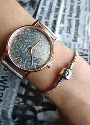 Часы наручные женские на силиконовом ремешке золотистые серебр...