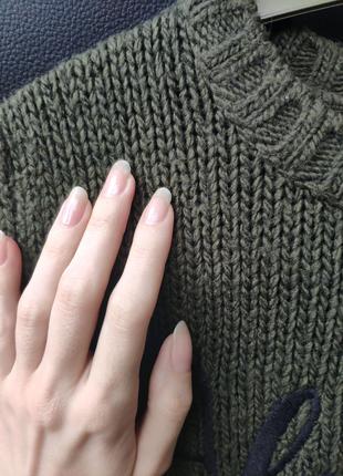 Светр хакі свитер