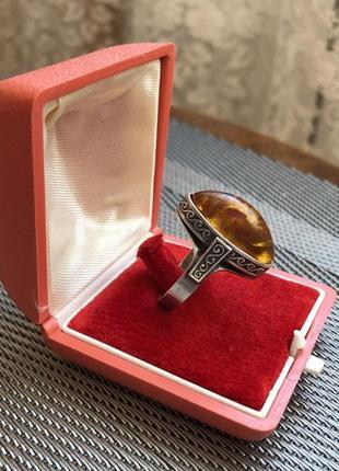 Кольцо винтажное ссср серебро 875 звезда, янтарь калининградск...