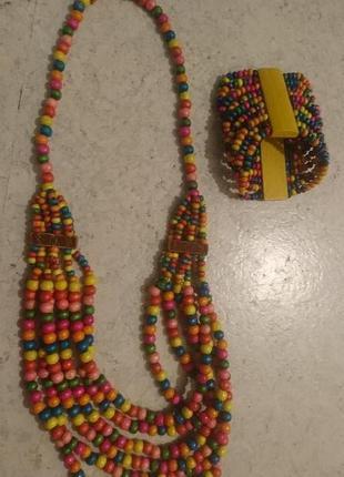 Комплект бусы и браслет из деревянных бусин