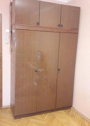 Шкаф трехдверный с антрессолью СССР