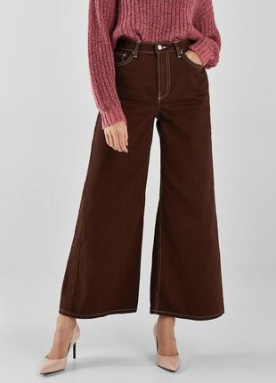 Джинси з широкими штанинами і високою талією