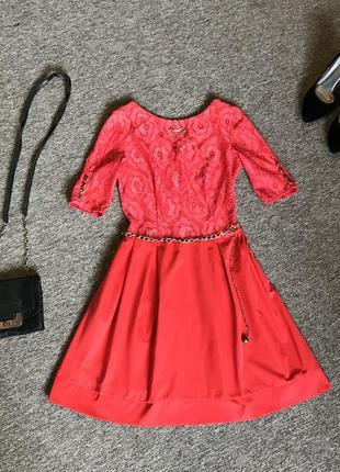 Червоне плаття з мереживом, четвертний рукав, красное платье