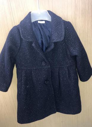 Стильное пальто для малышки