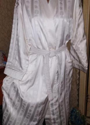 Обалденный атласно-махровый,цвета айвори банный,длинный халат