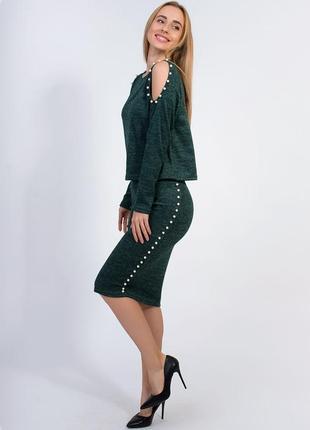 Элегантный женский костюм с юбкой