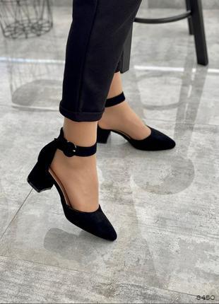 Чорні туфлі з ремінцями черные туфли с ремешками