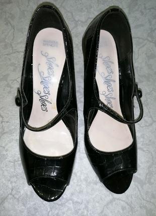 Туфли босоножки женские  36 размера