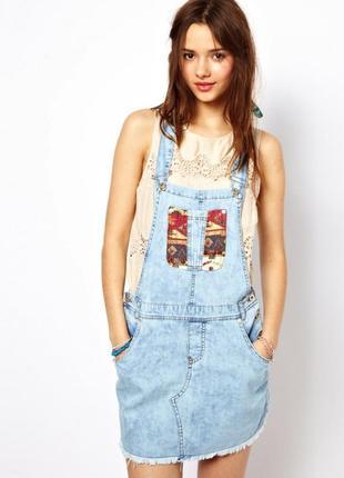 Крутое синее платье комбинезон под джинс деним с карманами и в...