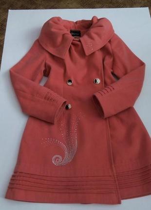 Розовое пальто теплое осеннее 48 размер