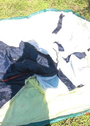 Палатка б\у на 3 оделних места