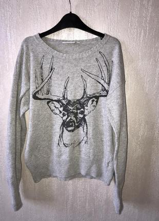 Мягкий свитер с оленем