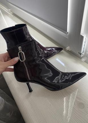 Кожаные ботинки, ботильоны, стильные бордовые ботинки от zara