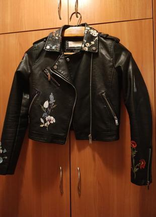 Стильная куртка косуха из экокожи