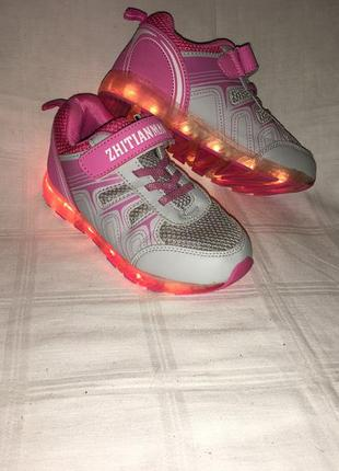 Кроссовки светящие с зарядкой *zhitianmao* р.32