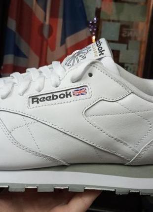 Классные кроссовки reebok
