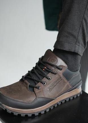 Мужские кроссовки кожаные весна/осень коричневые-черные emirro 95