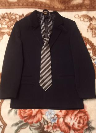Мужской чёрный пиджак(46-размер).