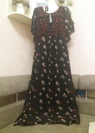 Шикарное платье с плотного шифона в  цветочный принт м на 44\4...