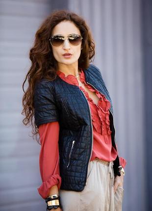 Очень стильная куртка с коротким рукавом от zara