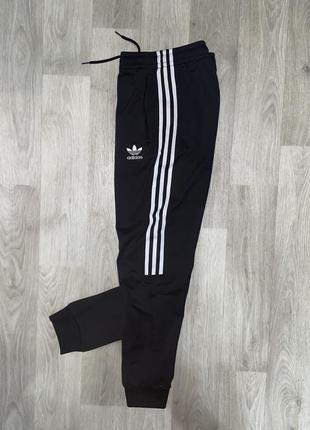 Оригинальные, спортивные штаны adidas 13-14 лет