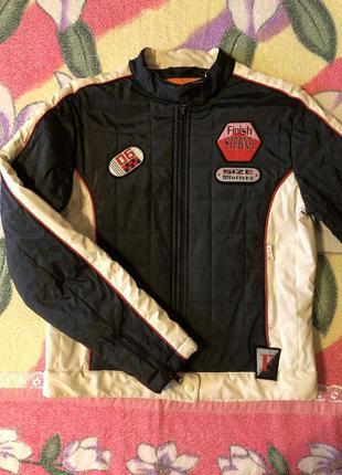 Куртка стёганая короткая чёрная спортивная