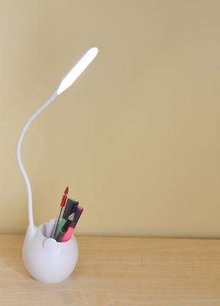 Настольная LED USB лампа с подставкой для ручек. С аккумулятором