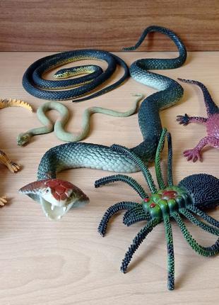 Игрушки Земноводные - змеи, лягушка, ящерицы, паук
