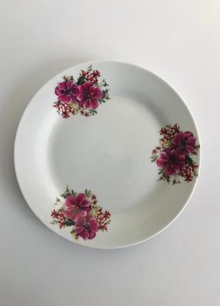 Тарелка, светлая тарелка, красивая тарелка, тарелка с цветами.