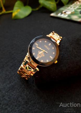 Женские наручные часы Versace