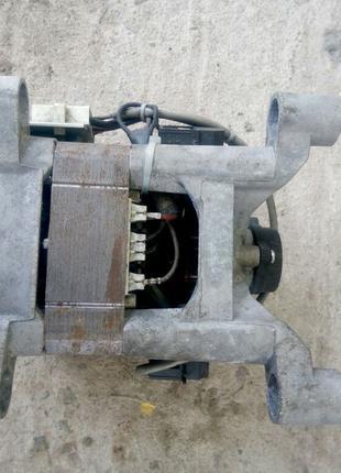 Двигатель для стиральной машинки Indesit