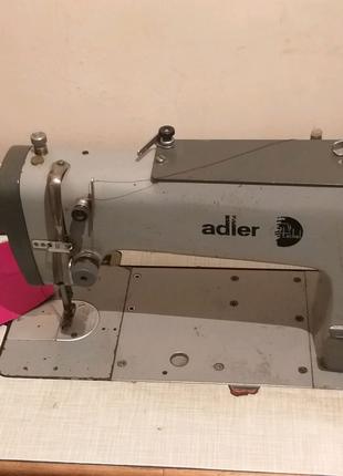 Швейная машина Адлер