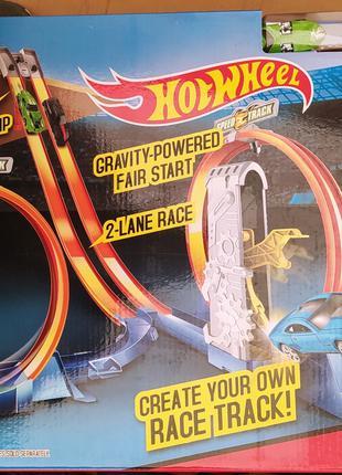 Авто Трек Hot Wheel 5775 хот вилс Вертикальний запуск 2 маш. мета