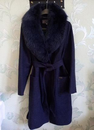 Скидка!!!пальто с натуральным мехом